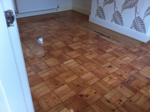 Pine parquet wood block flooring sanded sealed floor for Parquet renovation
