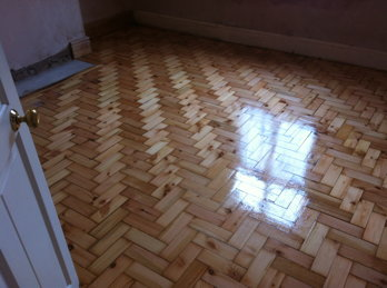 Pine Parquet Flooring with Streetshoe 275 lacquer applied